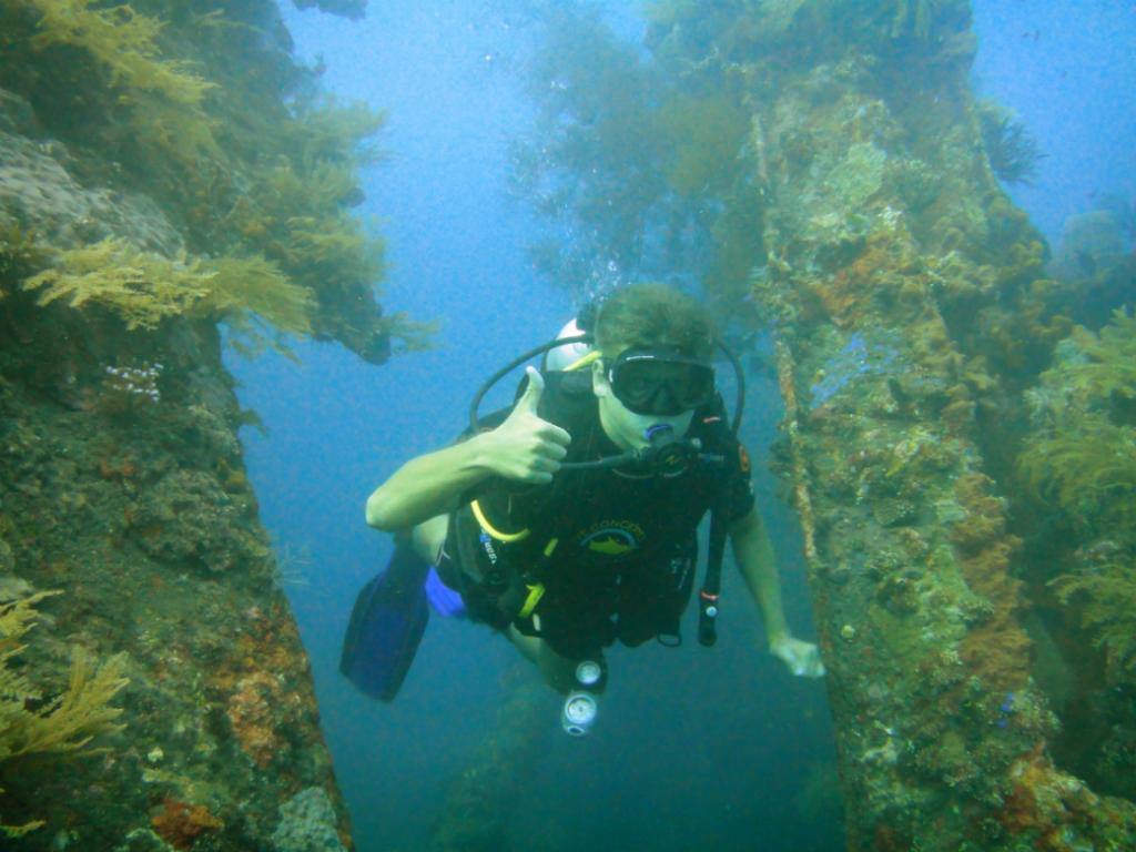Погружение на затонувший корабль, о. Бали, Индонезия.