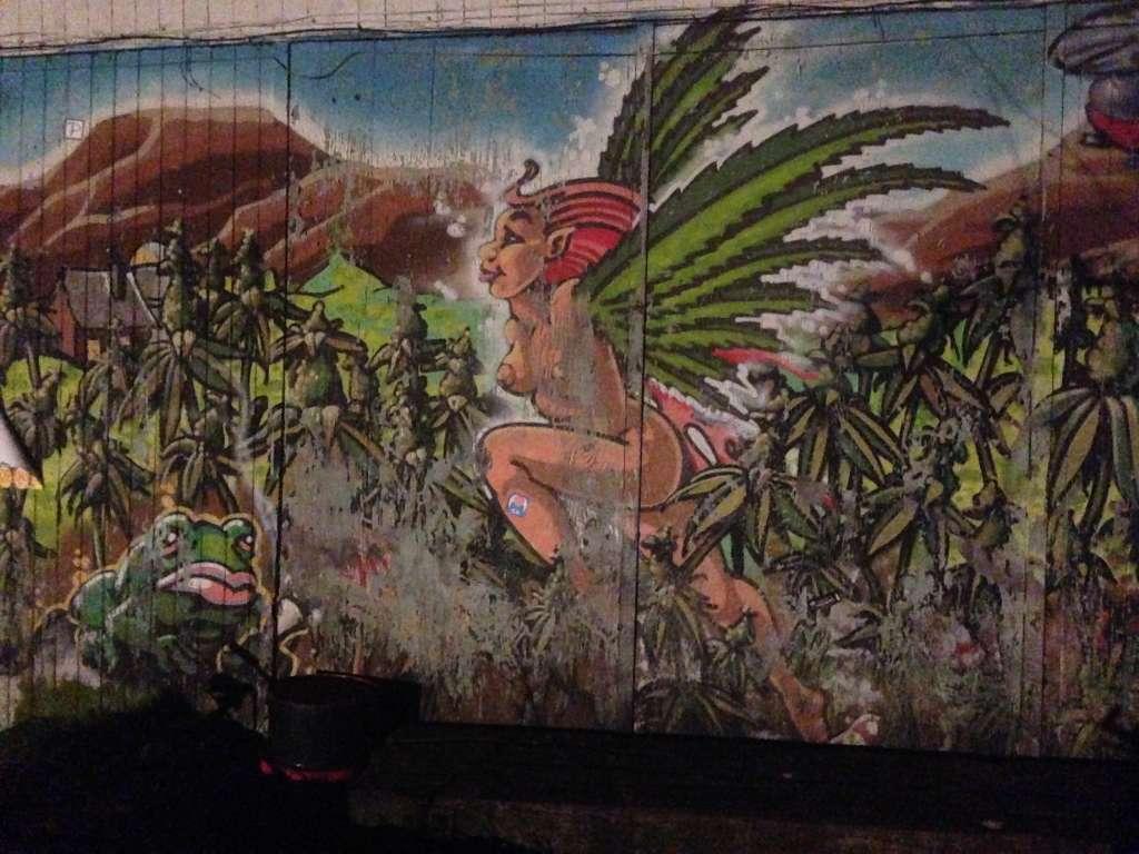 Графити в районе Кристиани в Копенгагене