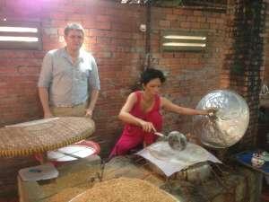 Приготовление рисовых печенек.